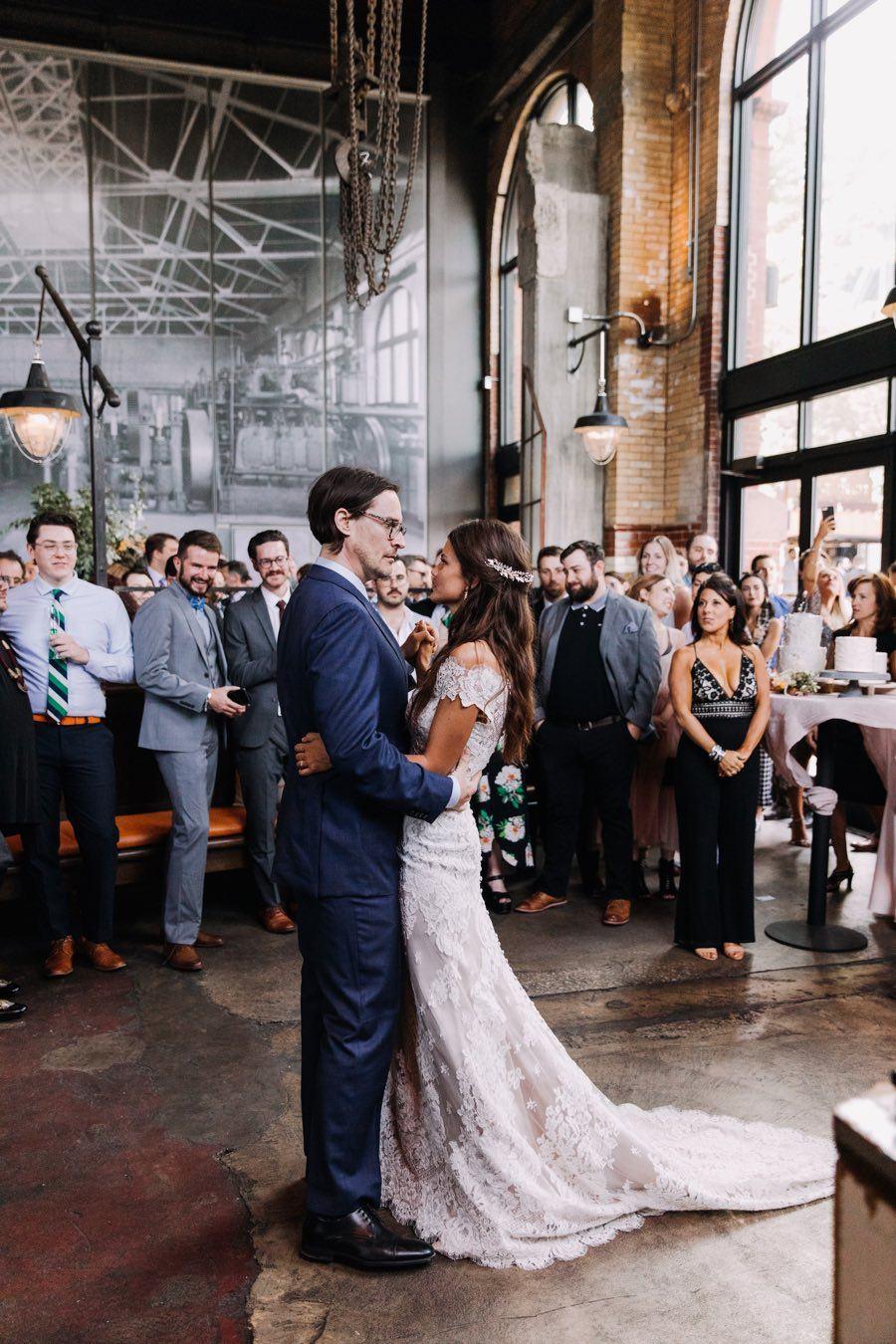 la peg wedding first dance