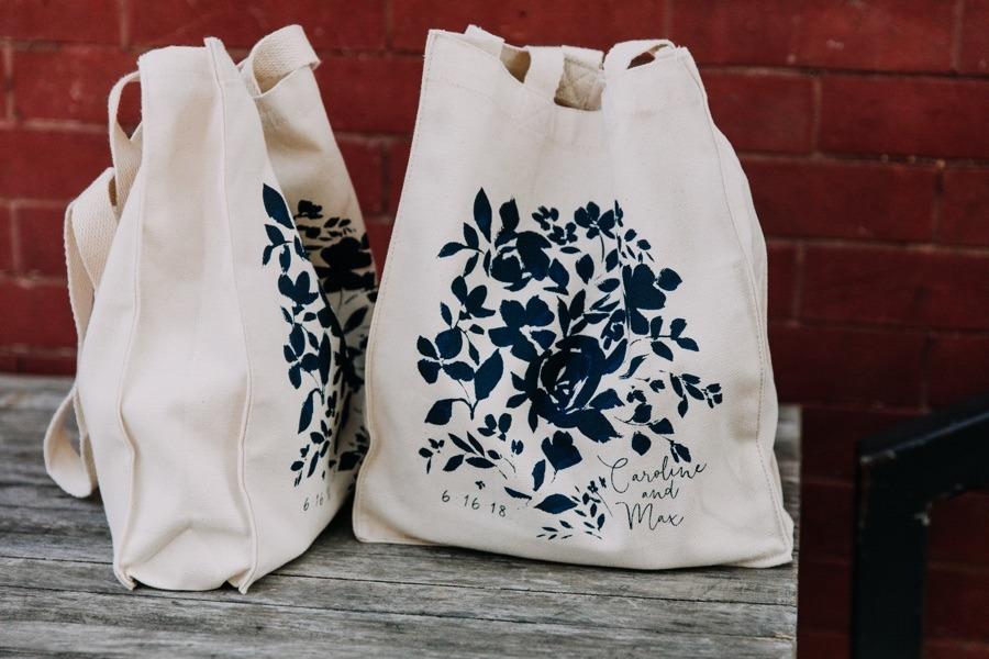 custom-wedding-tote-bags