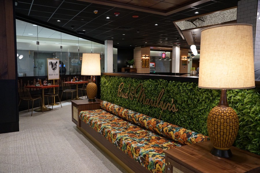 bud marilyns phl airport restaurant