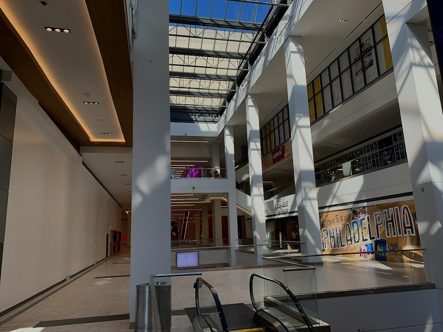 fashion district philadelphia review main atrium