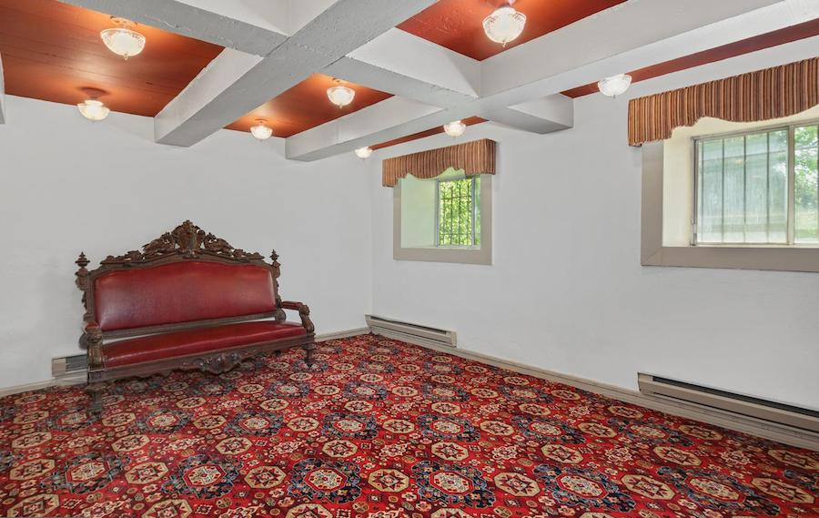 house for sale pine hill capone house vault
