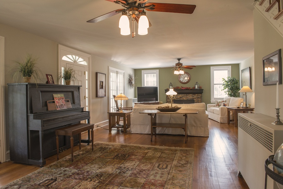 house for sale wallingford smith homestead great room