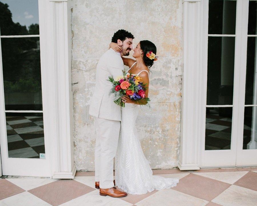 The Woodlands Mansion wedding portraits