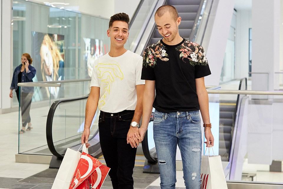 men-shopping-fashion