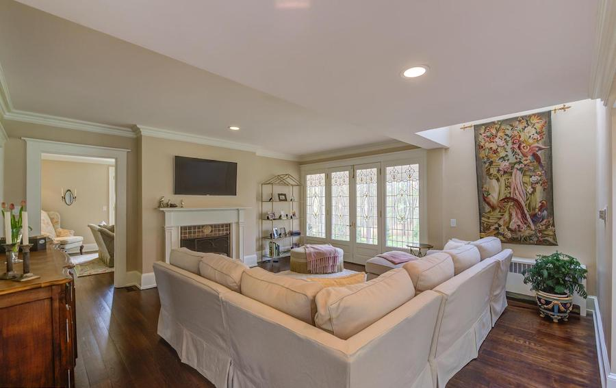 house for sale bryn mawr regency colonial family room