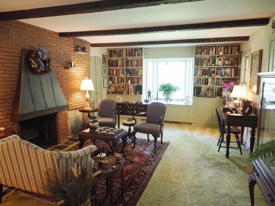 house for sale hatboro retreat living room