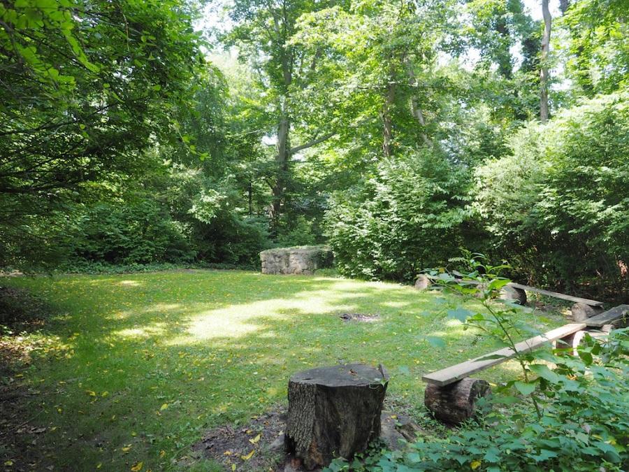 house for sale hatboro retreat seating area