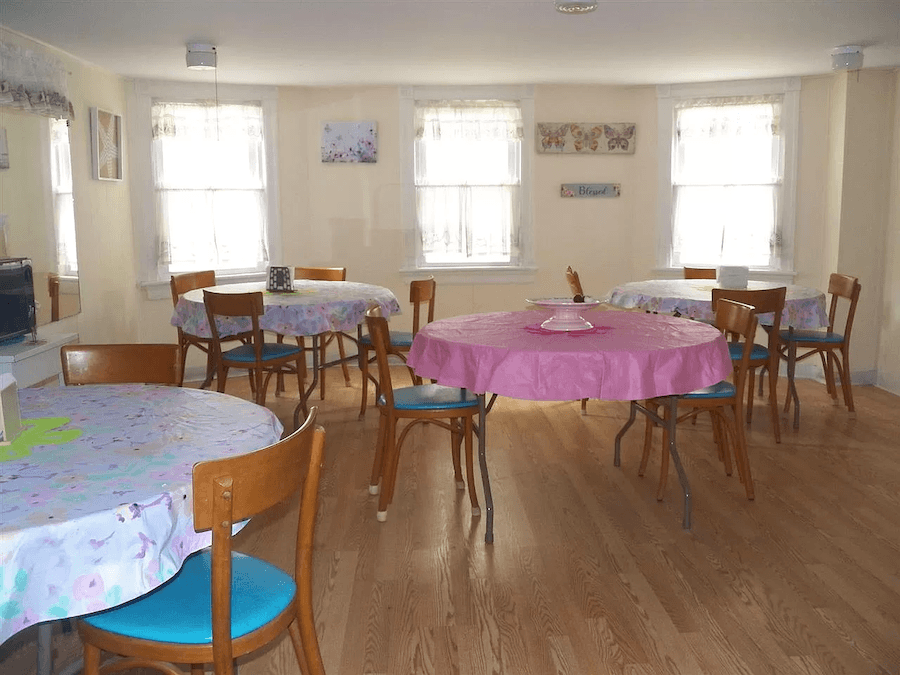 house for sale ventnor summer religious retreat dining room