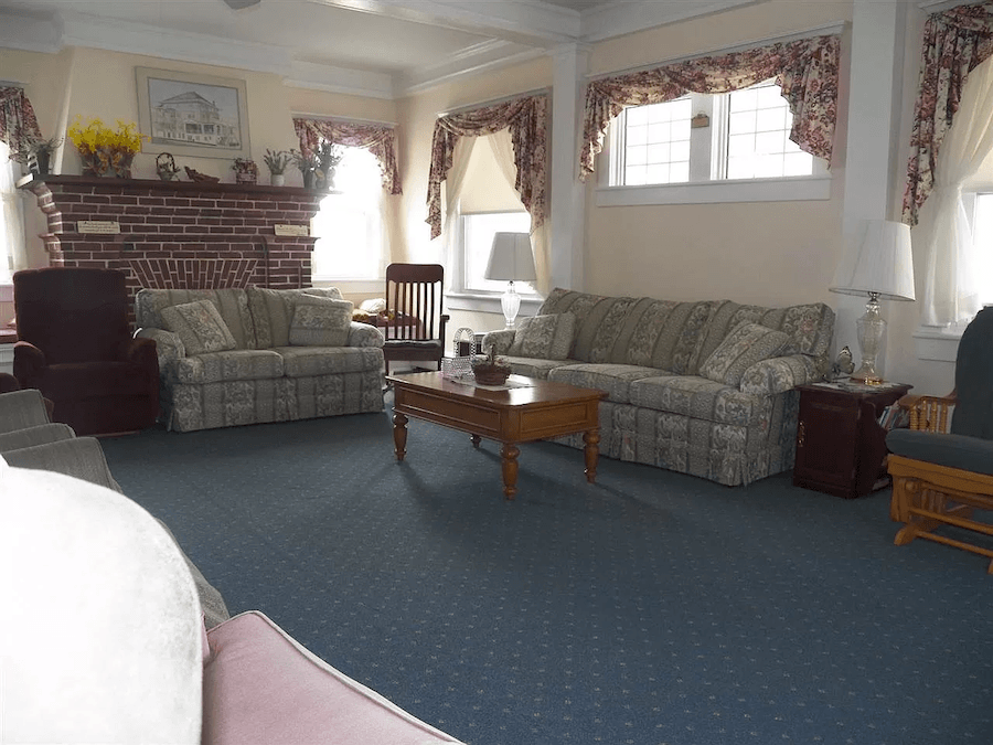 house for sale ventnor summer religious retreat living room