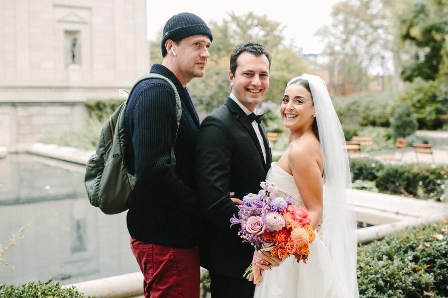 jason-segel-wedding-photobomb-thumb