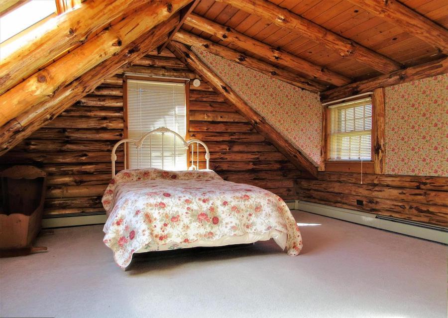 house for sale schwenksville log house second-floor bedroom