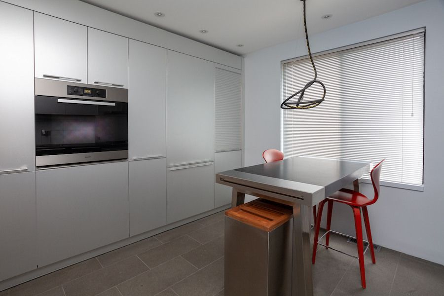 condo for sale society hill penn's landing square townhouse kitchen