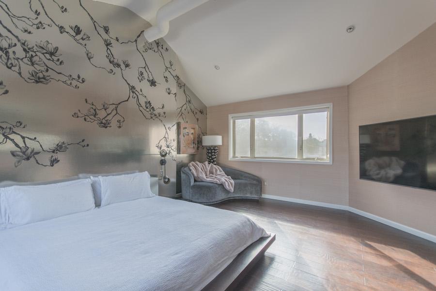 northern liberties designer townhouse master bedroom