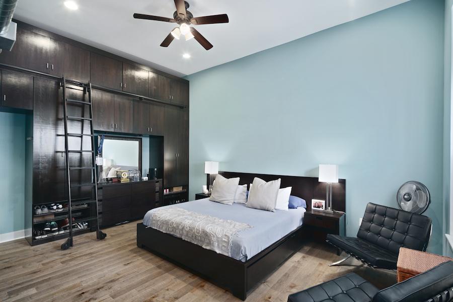 wash west walnut st tri-level master bedroom