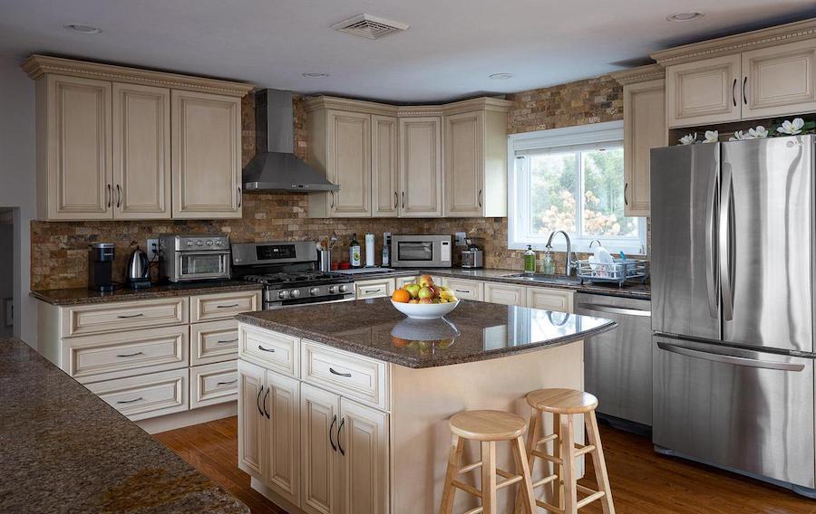 hwynnewood split-level contemporary kitchen