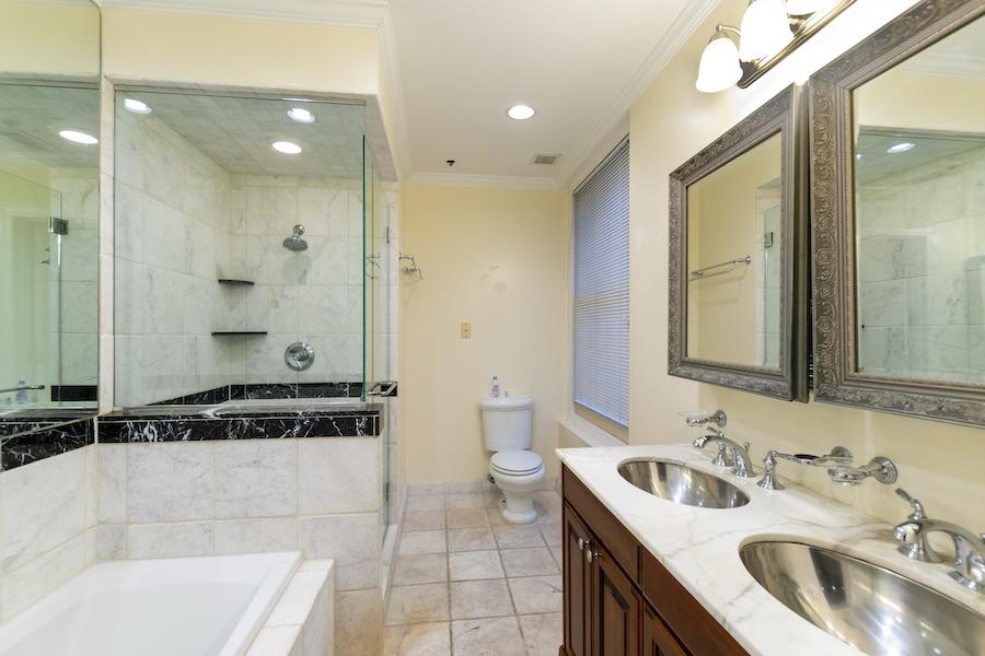 rittenhouse square loft master bathroom