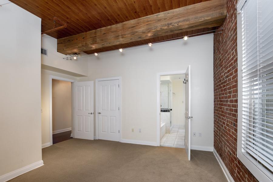 rittenhouse square loft master bedroom