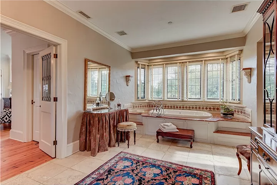 chadds ford cotswold manor master bathroom