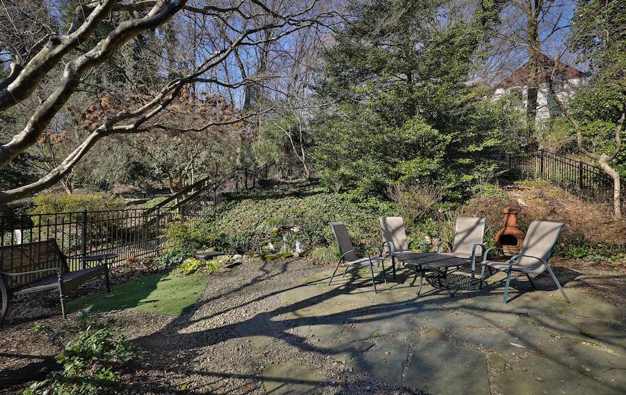 east falls colonial backyard