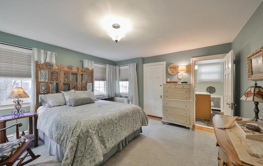 east falls colonial bedroom