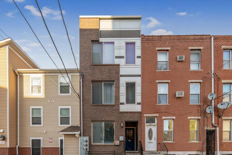 condo for sale francisville newer bi-level exterior front