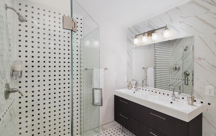 francisville newer bi-level master bathroom