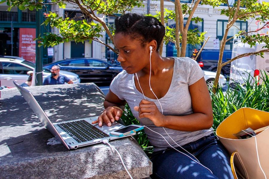 where to find free wifi in philadelphia