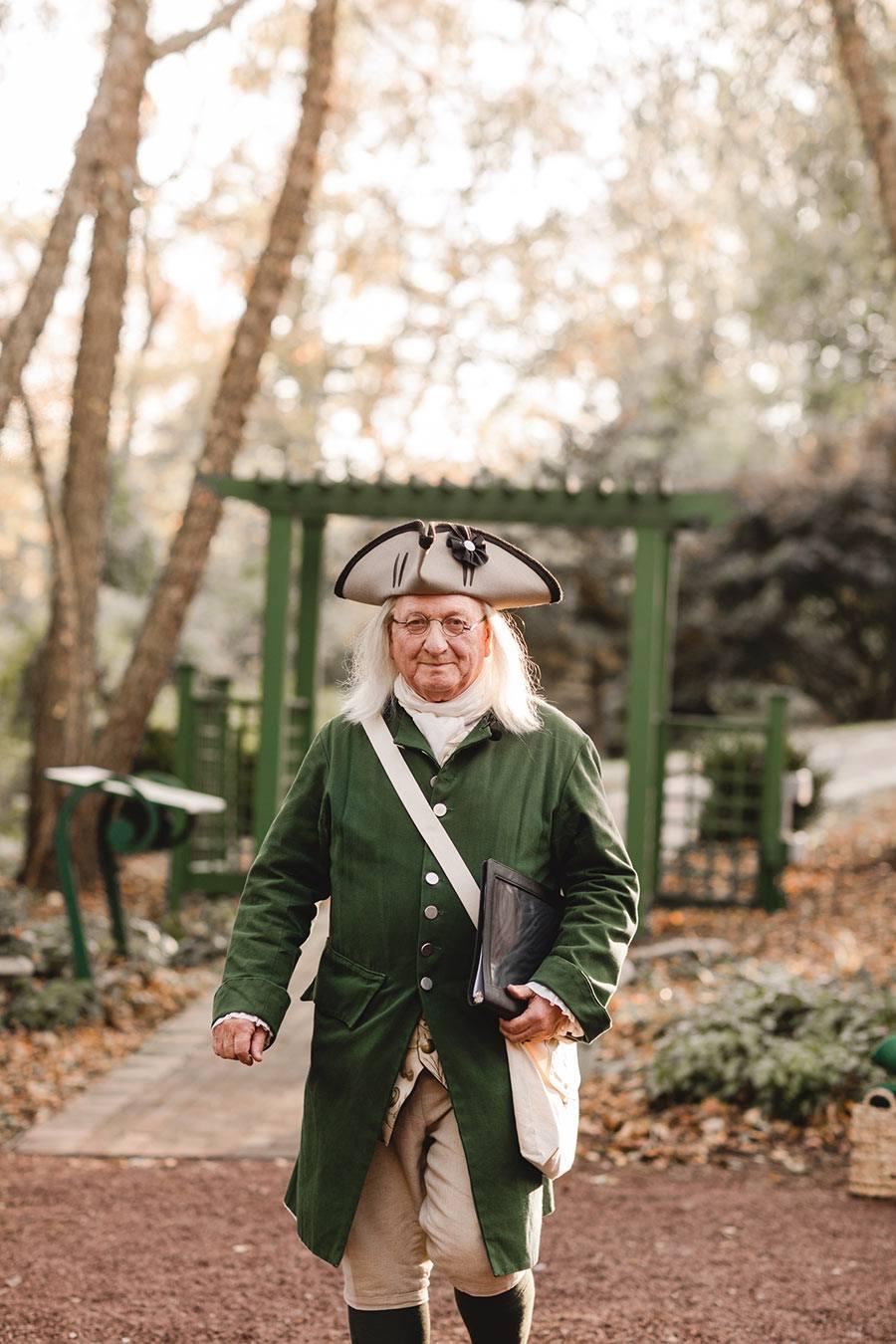 Ben Franklin officiant