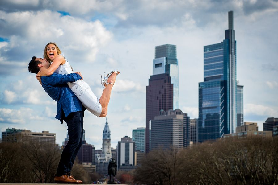 Philadelphia skyline wedding photos