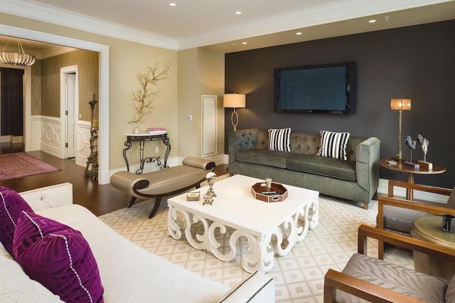 high-floor rittenhouse square condo living room