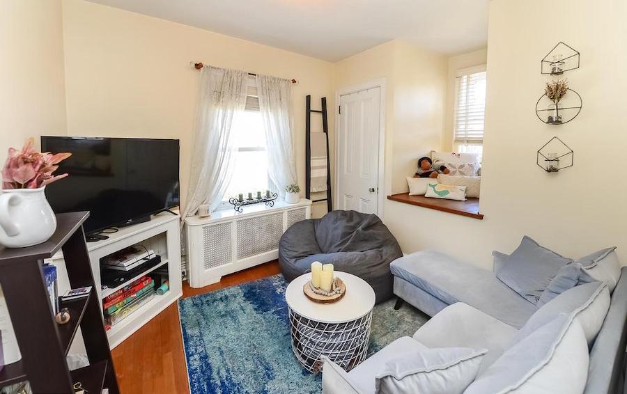 accessory unit bedroom/den