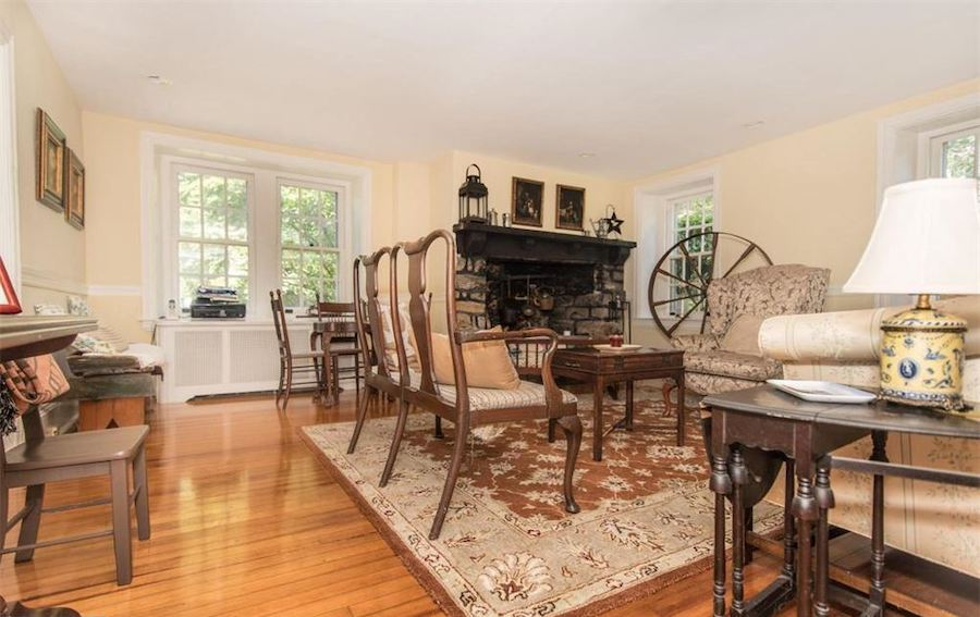 huntingdon valley colonial house for sale living room