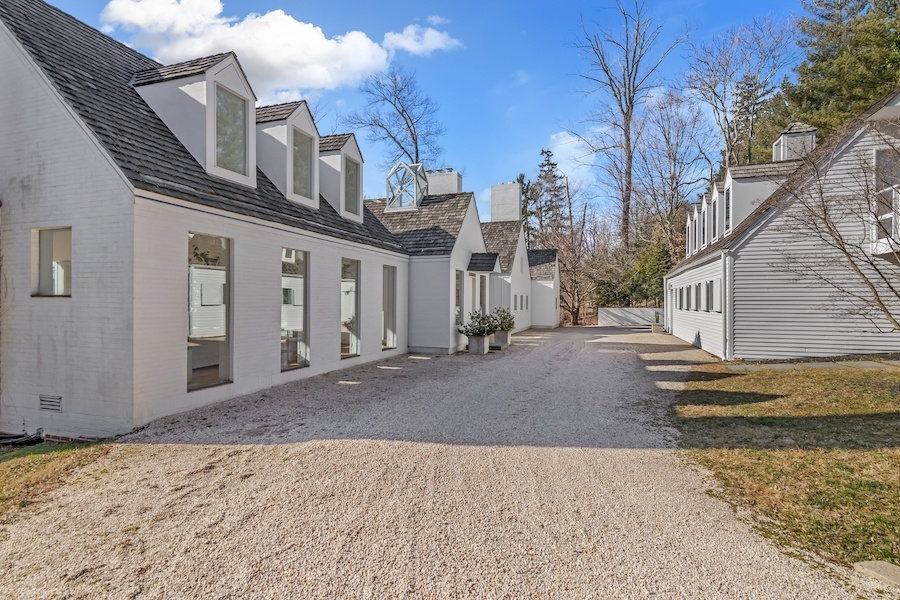 house for sale meadowbrook manor house forecourt