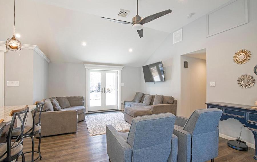perkasie expanded ranch house for sale living room