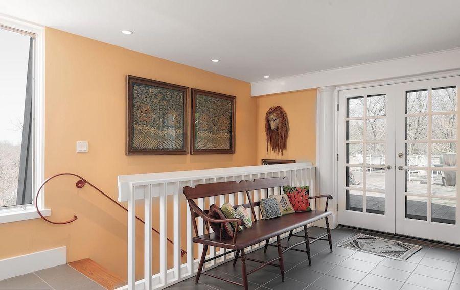 second-floor sitting area