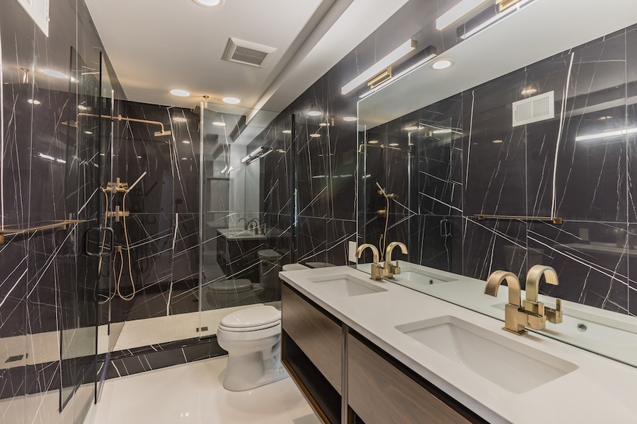 third-floor master bathrooom