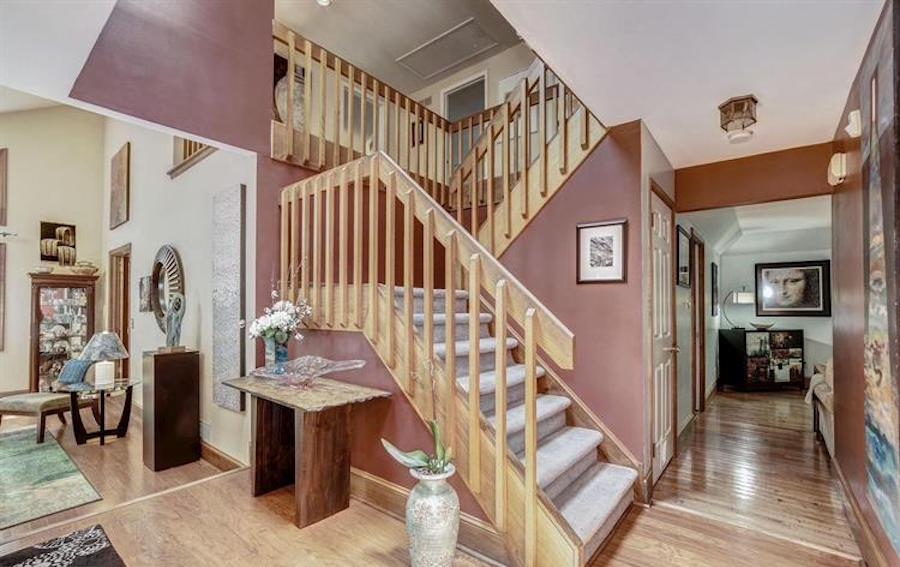 downingtown contemporary house for sale foyer