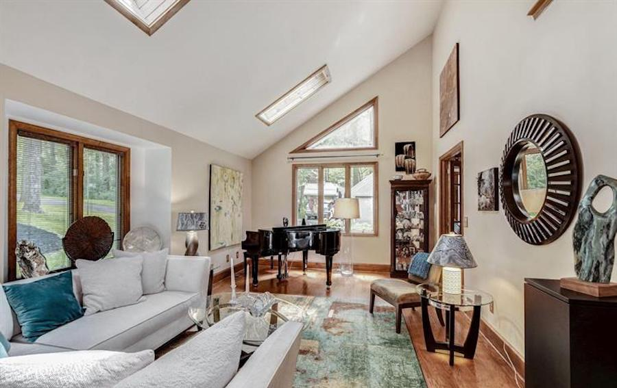 downingtown contemporary house for sale living room