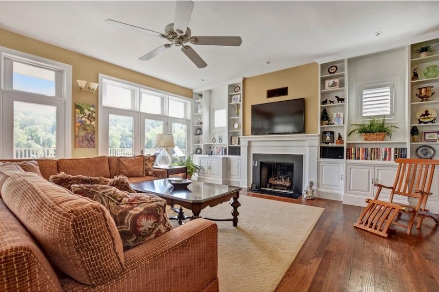 gladwyne riverside house for sale living room