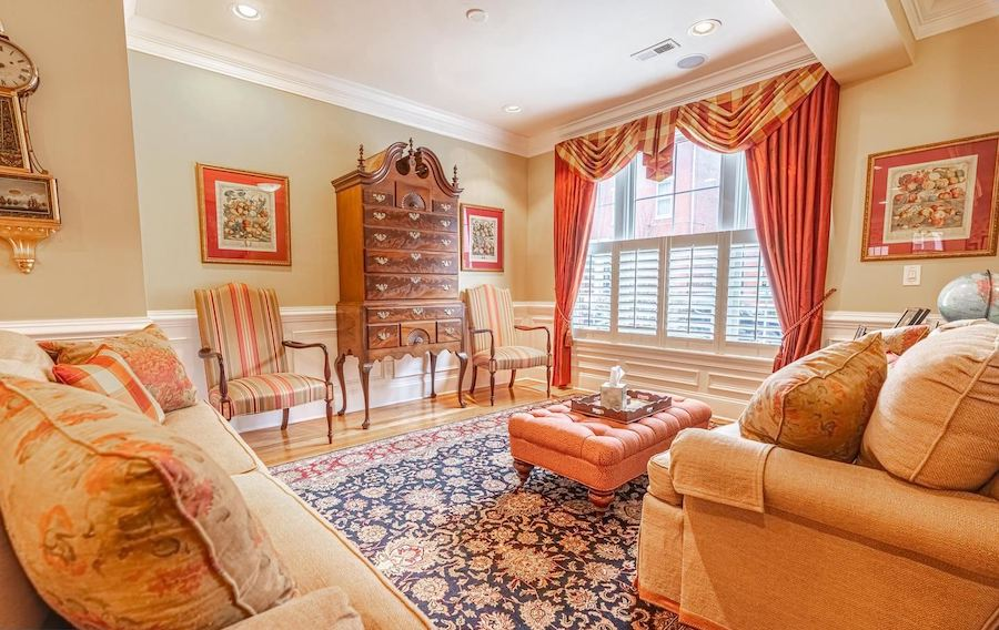 spring garden townhouse for sale living room
