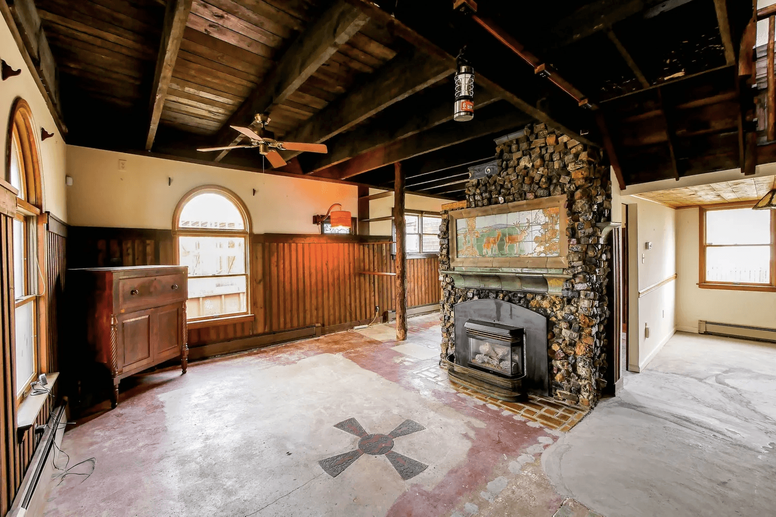 strathmere arts and crafts house for sale living room