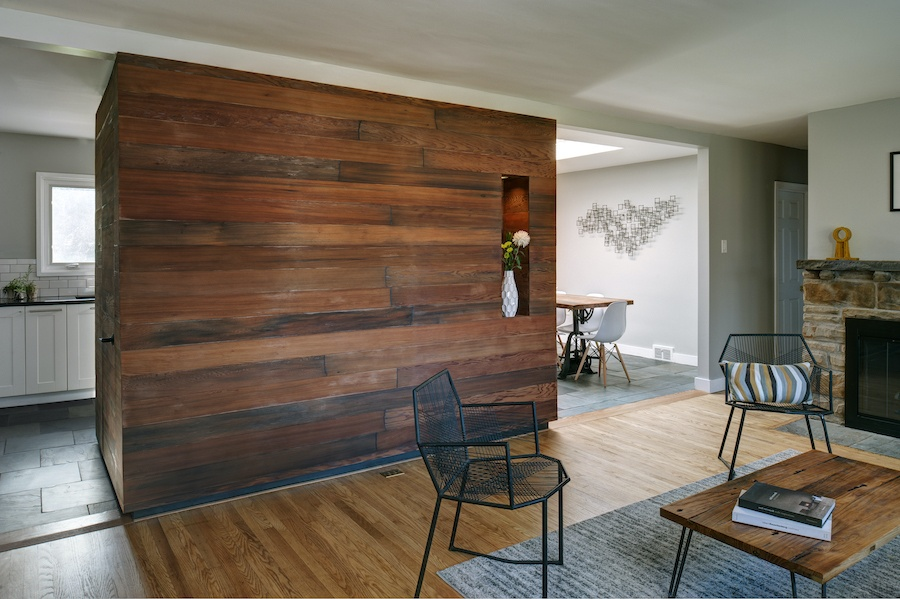 downingtown designer ranch house for sale living room accent wall