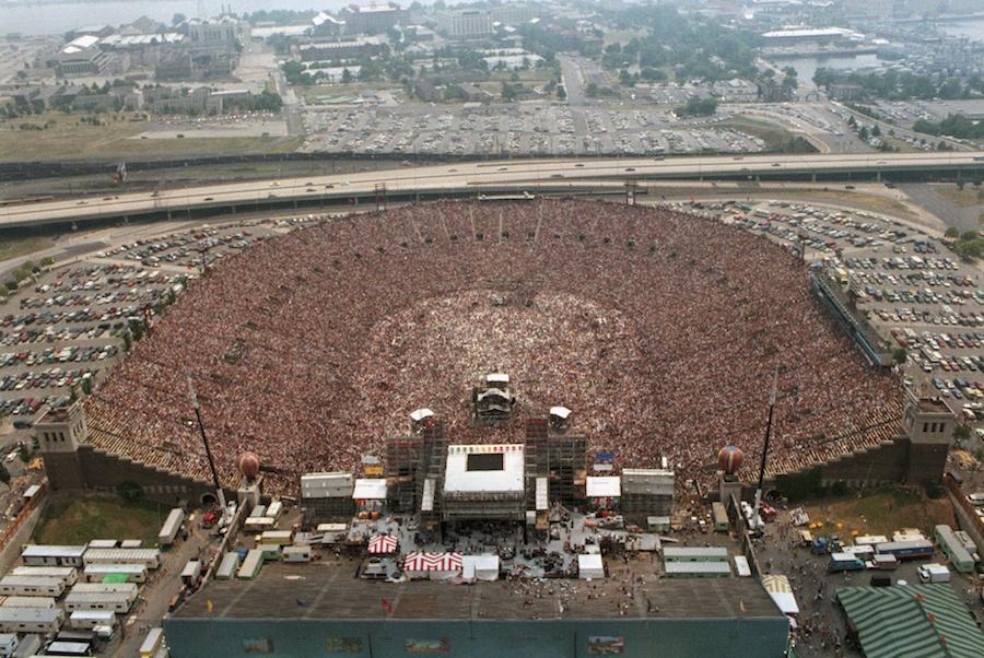 Stadium-Live