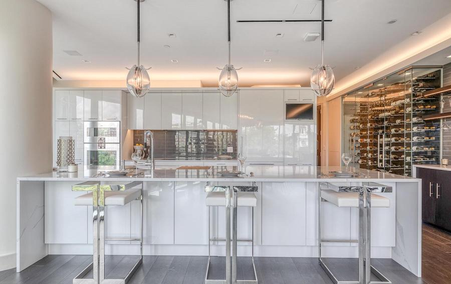 500 walnut condo for sale kitchen