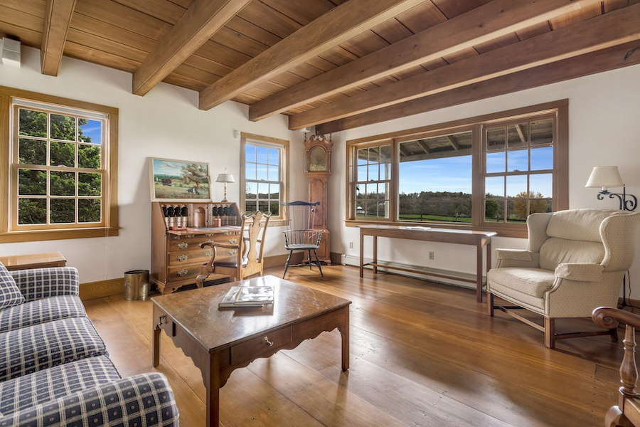 cochranville farmhouse for sale living room