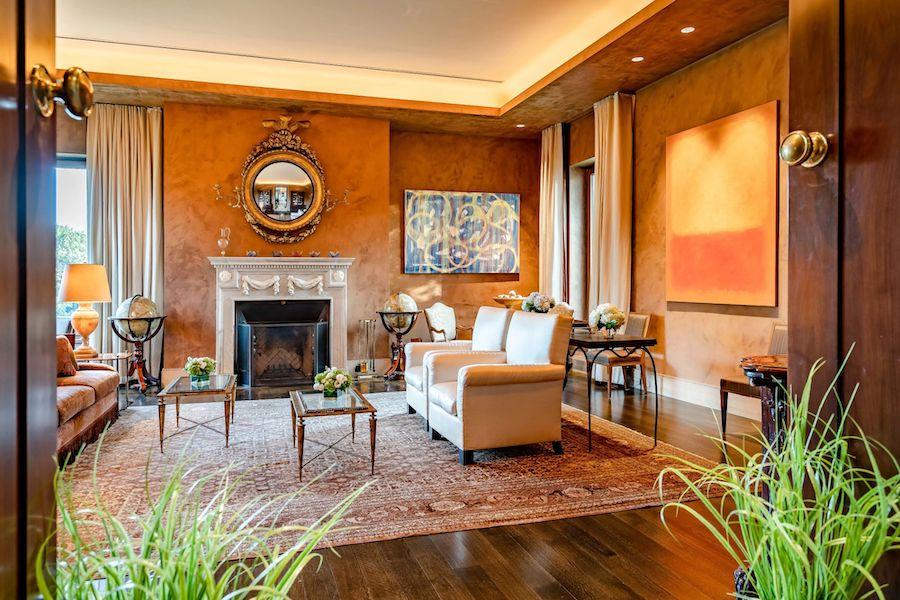 fort washington arbor hill auction living room