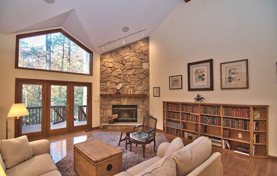 house for sale Pocono Pines contemporary great room