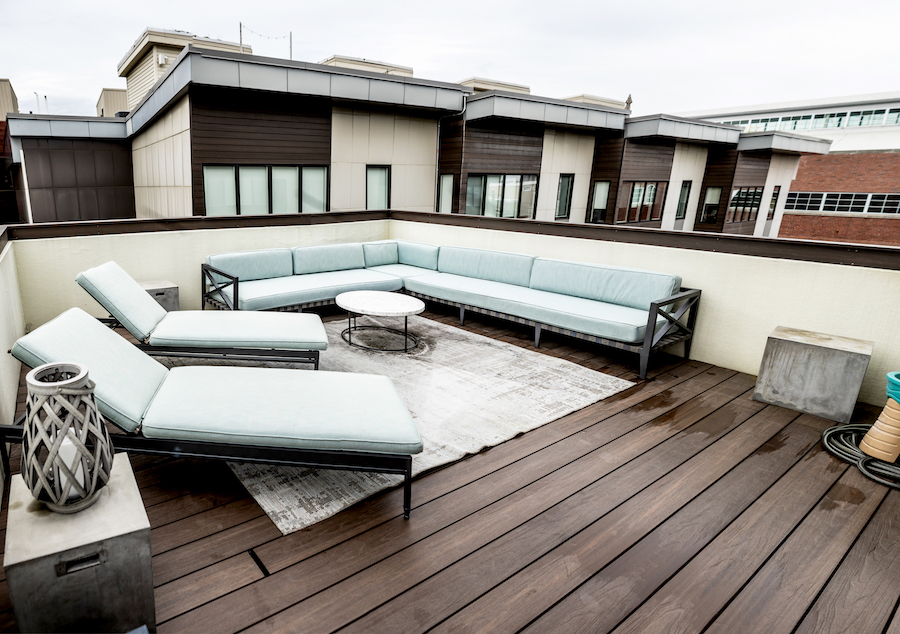 Fourth-floor roof deck