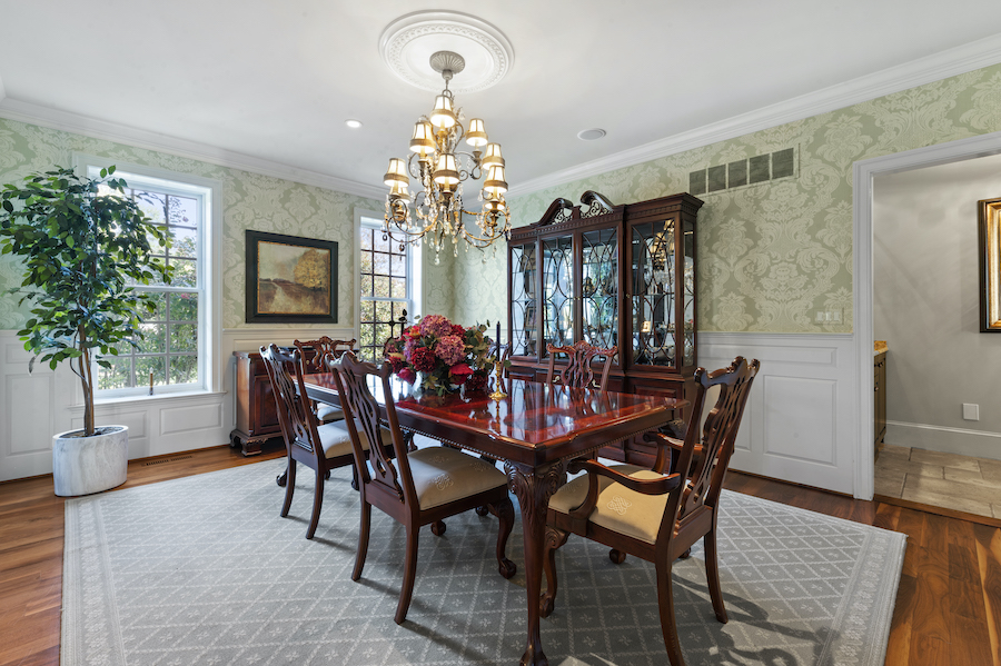 house for sale berwyn lakeside colonial dining room