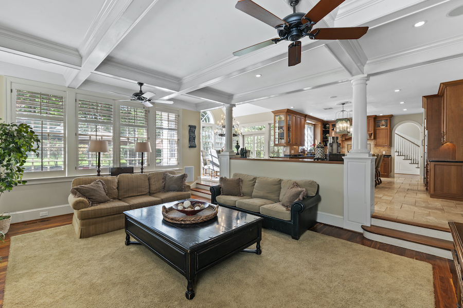 house for sale berwyn lakeside colonial everyday living suite